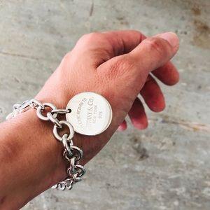 ♥️ Tiffany & Co. ♥️ Circle Tag Charm Bracelet